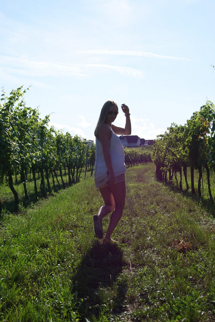 IN BETWEEN THE GRAPES